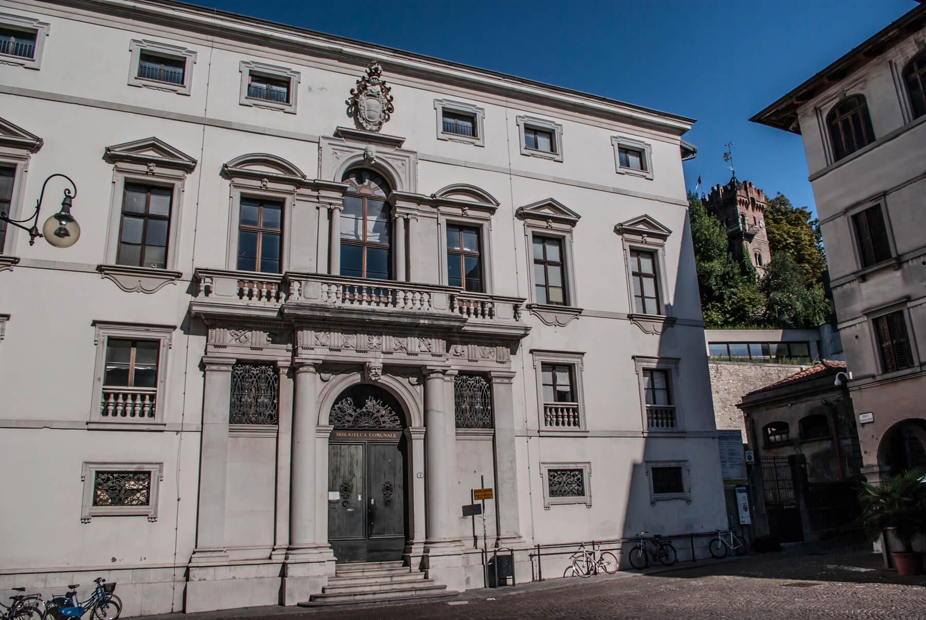 "Biblioteca Civica ""Vincenzo Joppi"""